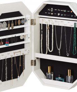 Petite armoire à bijoux